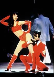 O cantor Prince e a dançarina Mayte nos prêmios de Música e Moda VH-1, em 1996.
