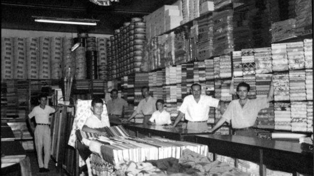 Loja Chucri Makai, em 1955, em São Paulo; sírios e libaneses tornaram-se bons comerciantes