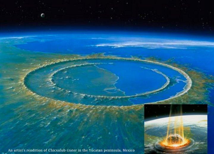 Com 100 km de comprimento e 30 km de largura, a cratera de Chicxulub se formou há 66 milhões de anos, pela ação de um asteroide. - asteróide caindo em destaque