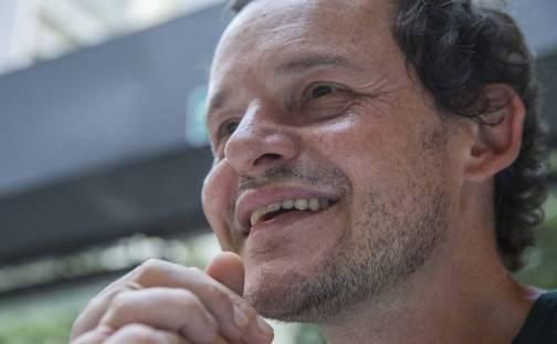 O ator está em cartaz no Sesc Pompeia, em SP, com a peça - Processo de Conscerto do Desejo.