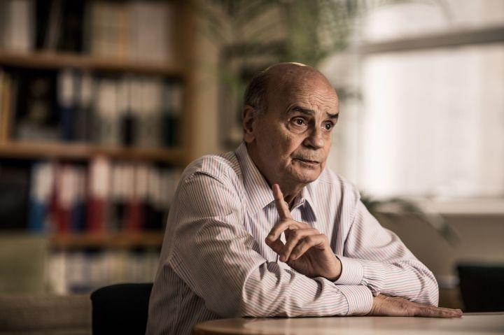 Drauzio Varella, em seu consultório em São Paulo, em março de 2016 - foto - Fernando Cavalcanti