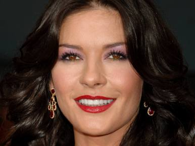 Catherine-Zeta-Jones-Dentista-SC-Odontoquality