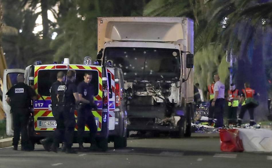 Terrorismo - Nice 14 de Juhlo de 2016 - Valery Hache - AFP - Foto 3