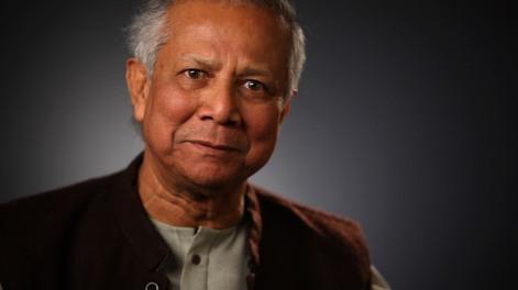 """2006 - Banco Grameen e Muhammad Yunus - O Comitê norueguês concedeu ao economista Muhammad Yunus (Bangladesh) o Nobel da Paz por """"ser o idealizador do microcrédito"""" (pequenos empréstimos sem garantias que conseguiram tirar da miséria milhões de pessoas em todo o mundo)."""