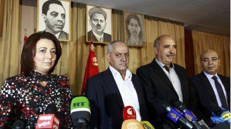 Quarteto do Diálogo Nacional da Tunísia O júri do Prêmio Nobel concedeu o prêmio às quatro organizações da sociedade civil que patrocinaram uma solução negociada para a aguda crise política que vivia a Tunísia em 2013 e ameaçava acabar com o processo de transição iniciado após a primavera árabe em 2011.