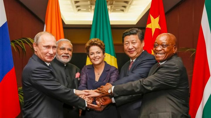 BRICS - Chefes de Estado do Brasil, Rússia, Índia, China e África do Sul.