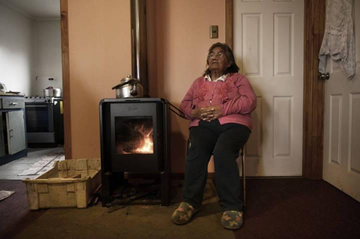 Cristina Calderón (nascida em 24 de maio de 1928) é a última falante nativa da língua yagán, da Terra do Fogo. ALFONS RODRÍGUEZ EL PAÍS