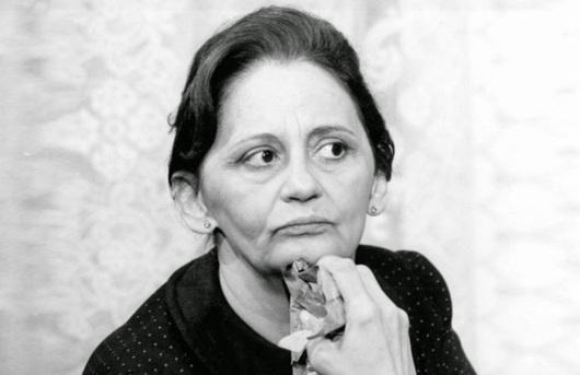 13 de Setembro – Laura Cardoso - 1927 – 90 Anos em 2017 - Acontecimentos do Dia - Foto 9 - 1983 - Laura Cardoso viveu Donana em 'Pão Pão, Beijo Beijo', de Walther Negrão.