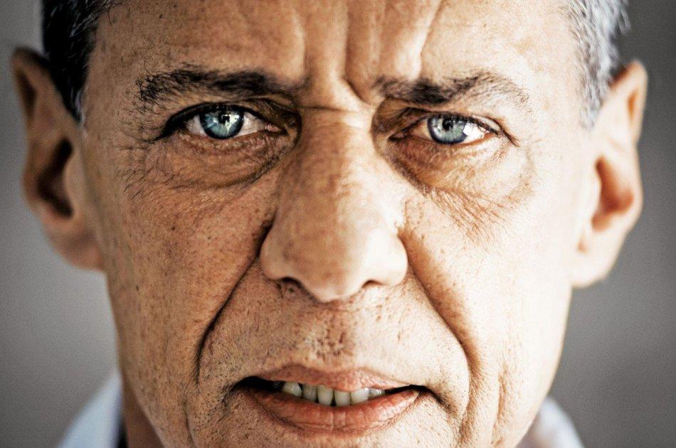 19 de junho - Chico Buarque, músico, cantor, compositor, teatrólogo e escritor brasileiro