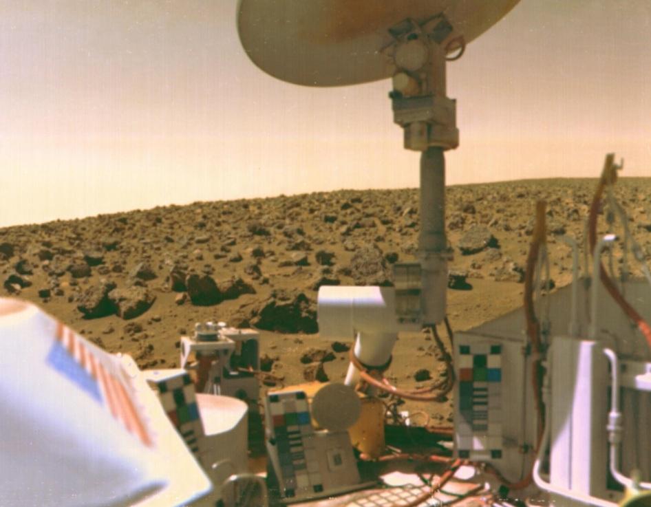 3 de Setembro – 1976 – Pouso da sonda Viking 2 em Marte.