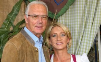 11 de Setembro – Franz Beckenbauer - 1945 – 72 Anos em 2017 - Acontecimentos do Dia - Foto 18 - Franz Beckenbauer com a esposa Heidi Burmester.