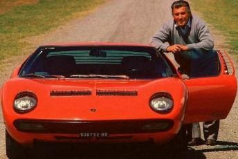 28 de Abril - 1916 – Ferruccio Lamborghini, industrial italiano e fundador da Lamborghini (m. 1993).