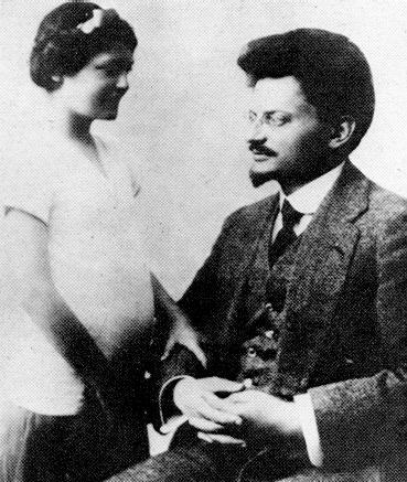 Trotsky e sua filha, Nina - França, 1915