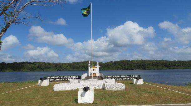 23 de Maio - Bandeira brasileira - Oiapoque (AP) 72 Anos.