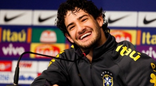 2 de Setembro – 1989 – Alexandre Pato, futebolista brasileiro.