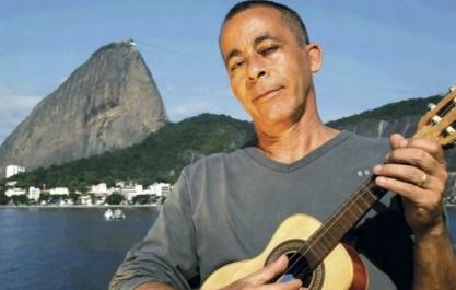 17 de Abril - 1951 — Hyldon, cantor e compositor brasileiro.