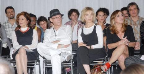 31 de Maio - Marília Pera, José Wilker, Marília Gabriela, Ângela Vieira, Suzana Vieira e Dalton Vigh durante a apresentação do elenco do seriado 'Cinquentinha'.