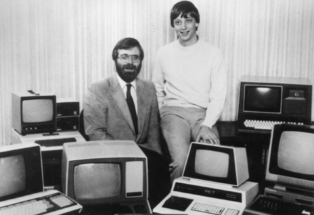 4 de Abril - 1975 — Fundação da Microsoft, uma parceria entre Bill Gates e Paul Allen.