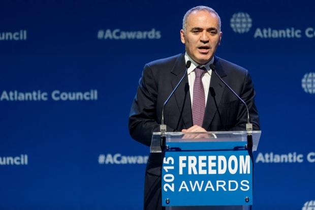 13 de Abril - 1963 - Garry Kasparov - ex-enxadrista, azerbaidjano - freedom award, human rights.