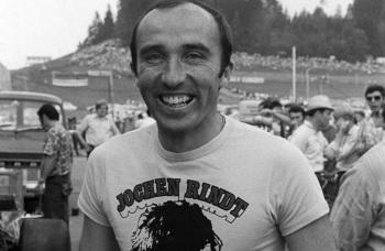 16 de Abril - 1942 — Frank Williams, construtor automobilístico britânico, em 1970.