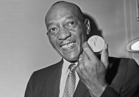 12 de Setembro – Jesse Owens - 1913 – 104 Anos em 2017 - Acontecimentos do Dia - Foto 11.