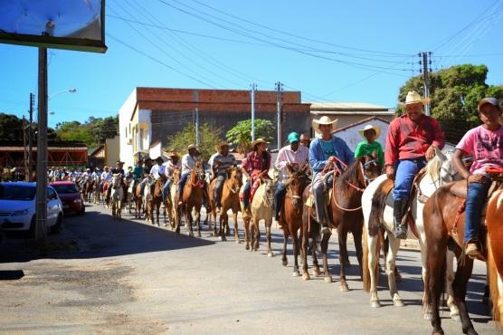 1 de Outubro - XXII Exposição Agropecuária — Campos Belos (GO)— 63 Anos em 2017.