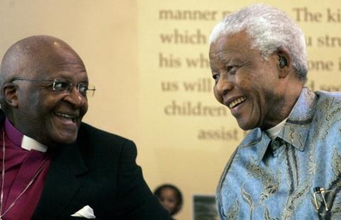 7 de Outubro - Desmond Tutu- 1931 – 86 Anos em 2017 - Acontecimentos do Dia - Foto 21 - Desmond Tutu e Nelson Mandela.