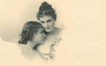 14 de Abril - Anne Sullivan com Helen Keller, juntas.