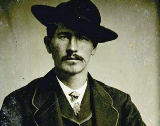 19 de Março - Wyatt Earp, policial e pistoleiro estado-unidense