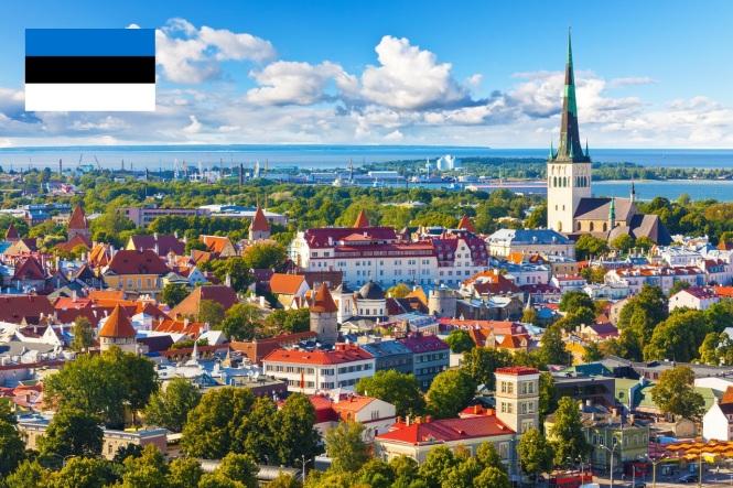 6 de Setembro – 1991 – A União Soviética reconhece a independência da Estônia. Foto de Tallinn, capital da Estônia.