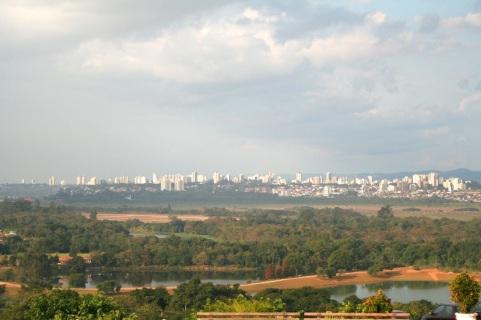 27 de Julho - Vista parcial de São José dos Campos. O relevo nas proximidades da malha urbana é predominantemente ondulado — São José dos Campos (SP) — 250 Anos em 2017.
