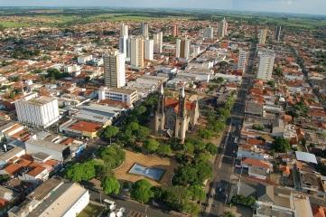 8 de Agosto – Foto aérea da cidade — Votuporanga (SP) — 80 Anos em 2017.