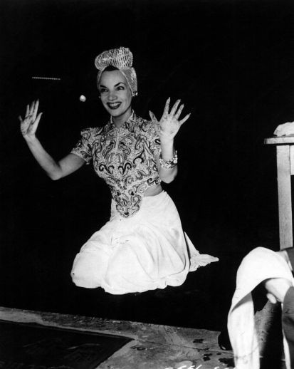 24 de Março - 1941 - Carmen Miranda se eterniza na Calçada da Fama