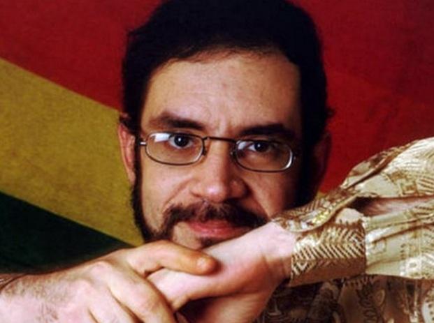 27 de Março - 1960 — Renato Russo - cantor e compositor brasileiro (m. 1996).