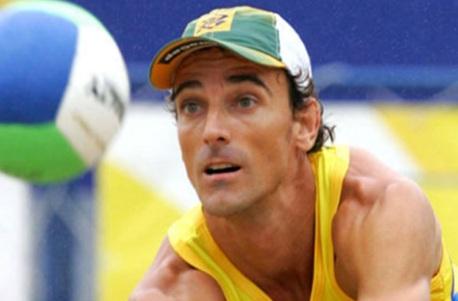 15 de Abril - 1973 — Emanuel, jogador brasileiro de vôlei de praia.