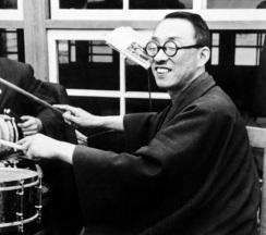 2 de Abril - 1958 — Jossei Toda, educador japonês (n. 1900).