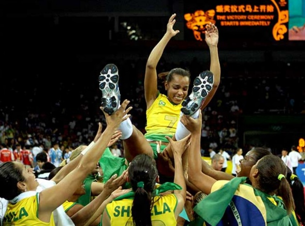 10 de Março - Fofão, atleta de voleibol, brasileira.