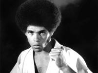 5 de Maio - 1946 – Jim Kelly, ator, artista marcial e jogador de tênis americano (m. 2013).
