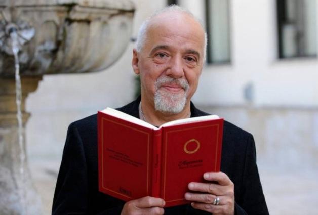 24 de Agosto — Paulo Coelho - 1947 – 70 Anos em 2017 - Acontecimentos do Dia - Foto 9.