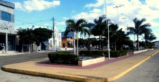 12 de Julho – Praça da Igreja Matriz — Manari (PE) — 22 Anos em 2017.