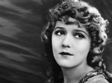29 de Maio - 1979 — Mary Pickford, atriz canadense (n. 1892).