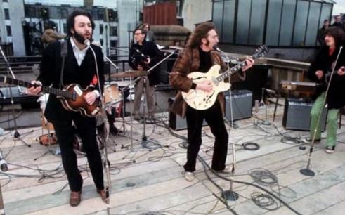10 de Abril - 1970 - Paul McCartney anuncia que está deixando os Beatles por razões pessoais e profissionais.