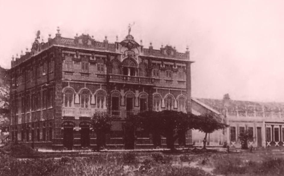 28 de Junho – Palacete da família Berbet de Castro. Foto de 1910, aproximadamente — Ilhéus (BA) — 483 Anos.