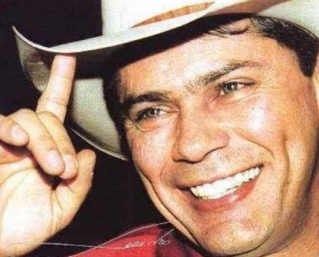 23 de junho - Leandro, cantor e compositor brasileiro