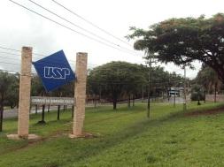 19 de Junho - Entrada do Campus da USP — Ribeirão Preto (SP) — 161 Anos.