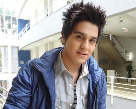 13 de março - Luan Santana, cantor brasileiro
