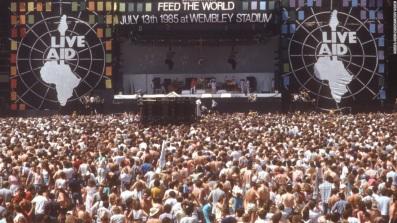 13 de Julho – Dia Mundial do Rock - 1985 – Realização do Live Aid, com artistas lendários da música pop e do rock mundial.