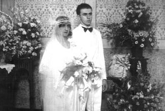 31 de Julho - Henriqueta Brieba - 1901 – 116 Anos em 2017 - Acontecimentos do Dia - Foto 6 - Um Romance da Juventude.