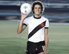 13 de Abril - 1954 — Roberto Dinamite, ex-futebolista brasileiro.