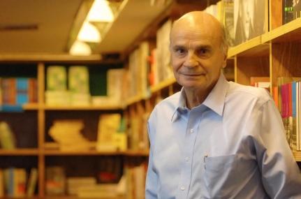3 de Maio - 1943 - Drauzio Varella - médico oncologista - cientista e escritor brasileiro.